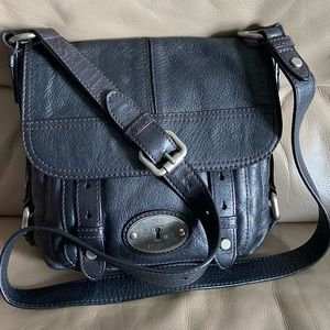 Authentic fossil Crossbody Purse!!